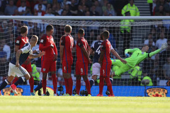 Hai siêu phẩm đá phạt khiến tuyển Anh suýt ôm hận