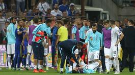 HLV Bosnia đấm bay răng tuyển thủ Hy Lạp
