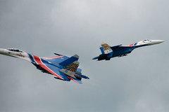 Chiến đấu cơ, trực thăng Nga trình diễn ngoạn mục trên không