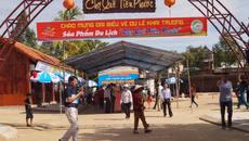 Khai trương chợ quê và trao học bổng cho học sinh nghèo Tiên Phước