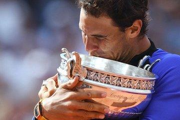 Vùi dập Wawrinka, Nadal lần thứ 10 vô địch Roland Garros