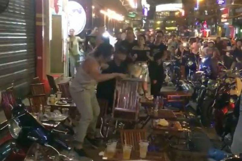 Nam diễn viên ẩu đả gây náo loạn 'phố Tây' ở Sài Gòn
