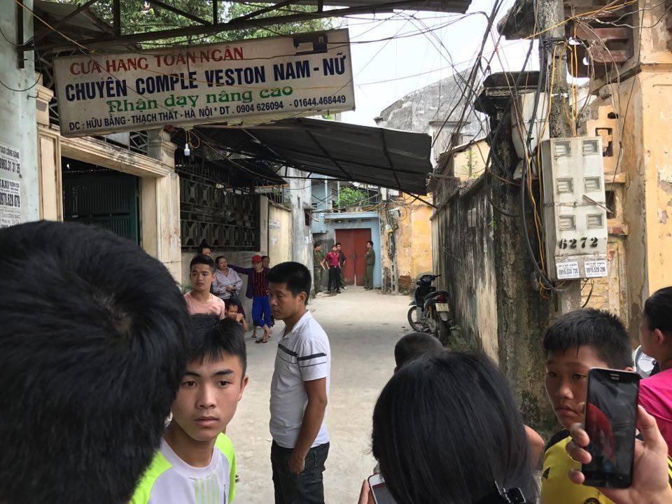 Bé 33 ngày tuổi chết trong chậu nước: Người thân chết lặng