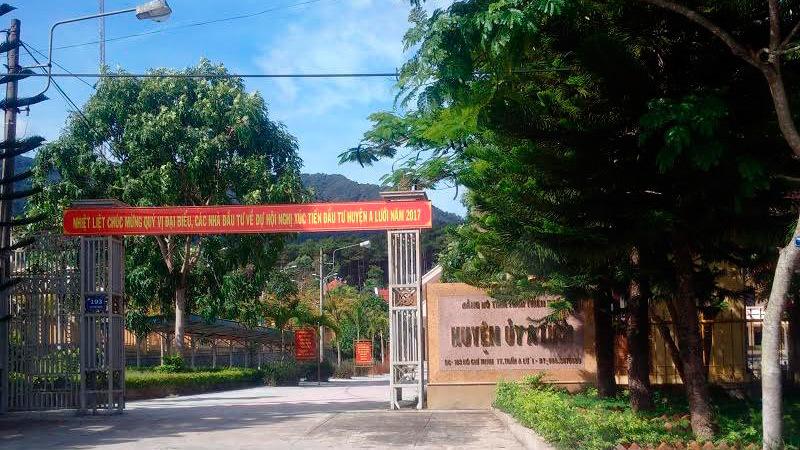 TT-Huế: Két sắt huyện ủy bị vứt chỏng chơ bên đường