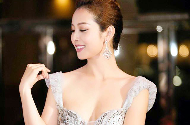 Gái ba con Jennifer Phạm khoe dáng chuẩn đáng ngưỡng mộ