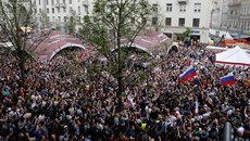 Biểu tình khắp nước Nga, hàng chục người bị bắt