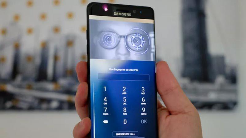 Người dùng tố tính năng quét mống mắt ở S8 gây đau mắt, chóng mặt