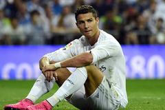 Ronaldo nhận tin cực xấu, Ramos chơi đẹp với Mourinho