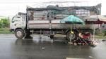 3 thiếu niên thiệt mạng khi xe máy tông vào đuôi xe tải