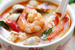Cách làm súp tôm nước dừa kiểu Thái ngon không cưỡng nổi