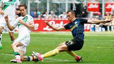 Perisic nằng nặc đòi sang MU, Conte thoát hiểm gang tấc