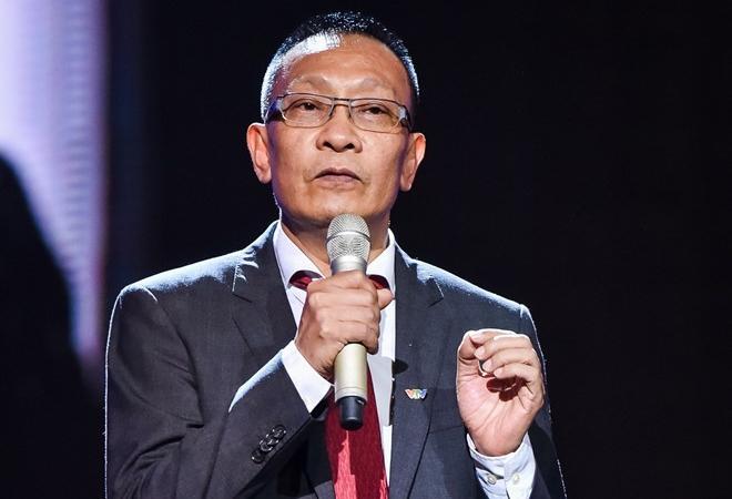Lần hiếm hoi MC Lại Văn Sâm khoe giọng trên truyền hình