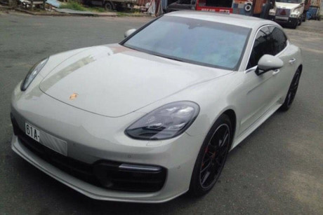 Thiếu gia Bình Dương 'tậu' siêu xe Porsche giá 15 tỷ
