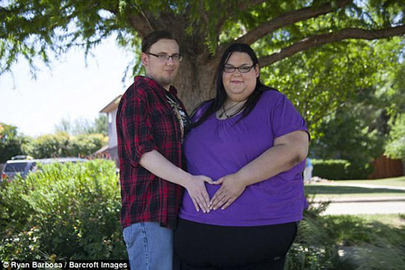 Chuyện mang thai gian nan của người phụ nữ mập nhất thế giới