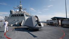 Mỹ điều tàu chiến tới Qatar