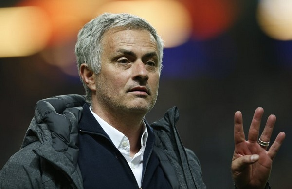 Mourinho yêu cầu 7 cầu thủ, Verratti bí mật đàm phán Barca
