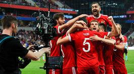 """Confederations Cup còn 1 ngày: Người Nga """"đói"""" bóng đá"""