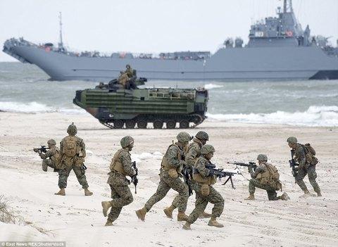 Thủy quân Lục chiến Mỹ tập trận đổ bộ sát sườn Nga