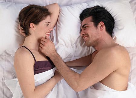 quan hệ vợ chồng, chuyện phòng the, tai nạn phòng the, thượng mã phong