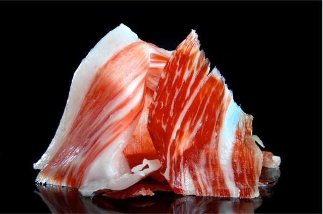 Thịt xông khói giá 104 triệu đồng/đùi có gì đặc biệt?
