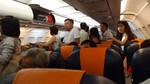 Máy bay Hà Nội - Cần Thơ hạ cánh xuống... Tân Sơn Nhất