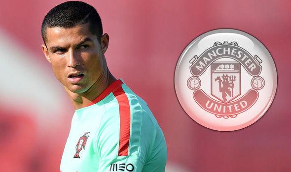 Ronaldo 'đột kích' về MU, Conte được bơm 250 triệu bảng