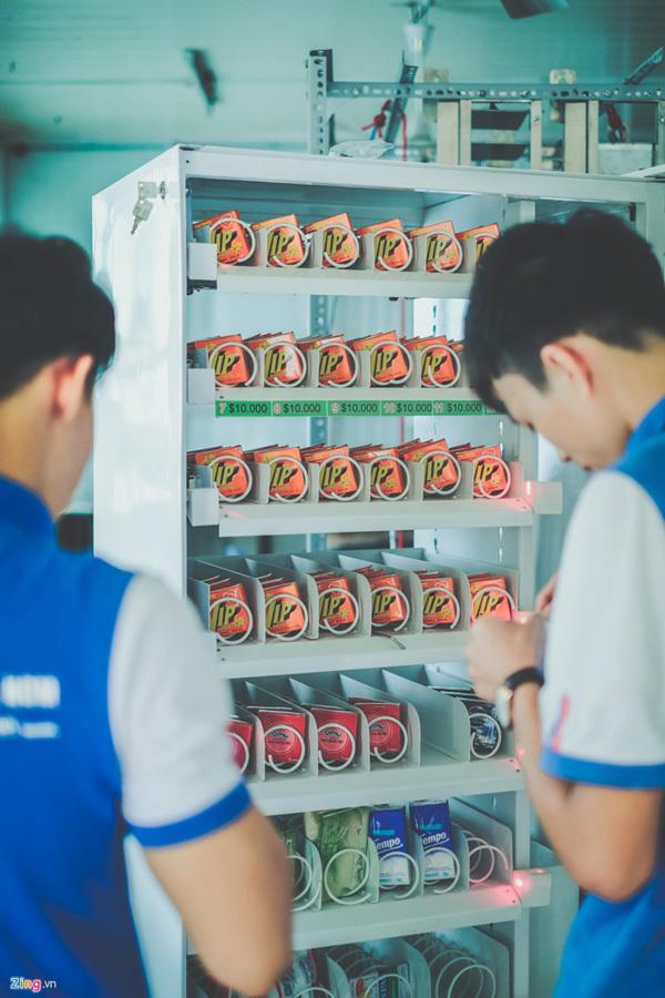 Máy bán bao cao su tự động đầu tiên tại Việt Nam