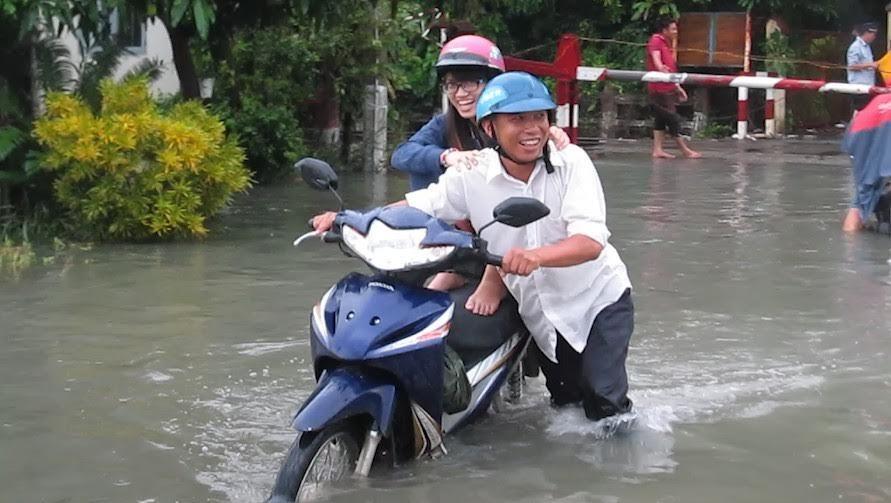 mưa ngập, đường sắt, đường sắt Bắc Nam, ngập nặng, sài gòn ngập, Thủ Đức