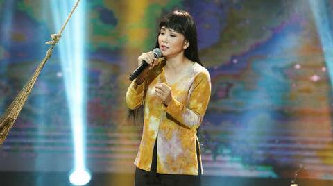 Màn trình diễn ca khúc 'Ru con' của Thúy Hiền: