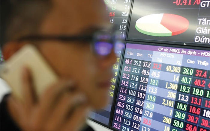 cổ phiếu ngân hàng, ngân hàng, tái cơ cấu ngân hàng, Sacombank, Vietcombank, BIDV, LienVietPostBank, HDBank