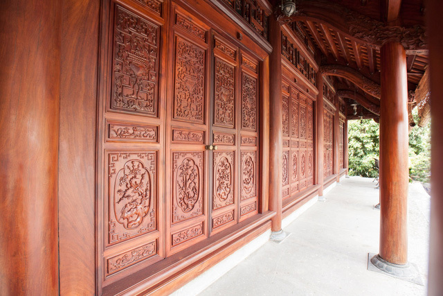 Đại gia Việt chi tiền tỷ chơi nhà gỗ cổ truyền