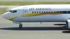 Bé trai ra đời trên máy bay được hãng hàng không tặng vé bay trọn đời