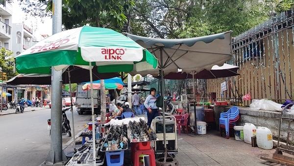 vỉa hè, cho thuê vỉa hè, quận 1, Sài Gòn, thu phí vỉa hè, lấn chiếm vỉa hè, đoàn ngọc hải