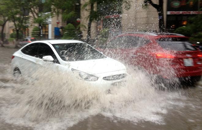 Xử lý thế nào sau khi xe bị ngập nước?