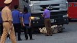Xe đầu kéo 'nuốt' xe máy, nữ trung úy công an tử vong