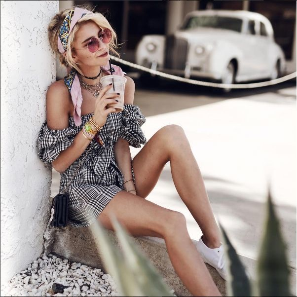 Phối đồ dạo phố mùa hè cuốn hút chuẩn thiên thần Victoria's Secret