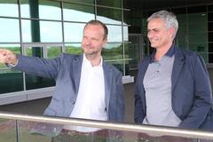 """MU """"vọt ga"""" chuyển nhượng: Bí kíp vàng của Mourinho"""