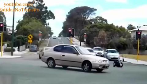 Những tai nạn môtô khiến người xem