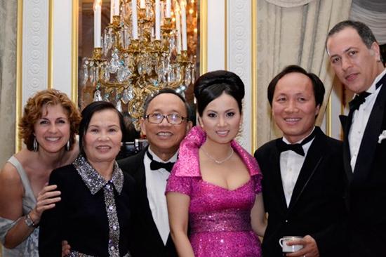 Tài sản của ca sĩ Hà Phương và chồng tỷ phú lớn cỡ nào?