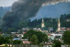 Phiến quân Philippines chiếm trường học, bắt cóc con tin
