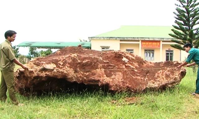 Tảng đá bán quý khổng lồ ở Lâm Đồng đã có chủ
