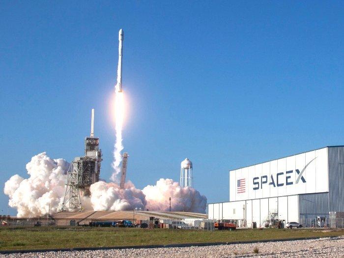 Elon Musk, Tên lửa Falcon, Sao hỏa, Đưa người lên sao hỏa