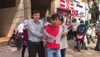 Kẻ cướp dây chuyền vàng bị đánh tơi tả trên đường phố Sài Gòn