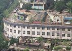 Kỳ lạ đường cho ô tô xây trên nóc nhà ở Trung Quốc