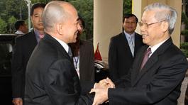 Lãnh đạo cấp cao VN-Campuchia trao đổi thư chúc mừng