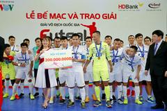 Thái Sơn Nam tưng bừng nâng cúp VĐQG lần thứ 7