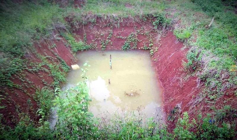 Đi câu cá, 3 chị em chết đuối dưới ao sâu