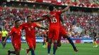 Chật vật hòa Australia, Chile tranh vé chung kết với Bồ Đào Nha