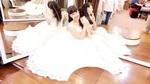 Vân Dung khiến fan tò mò khi khoe ảnh mặc áo cưới
