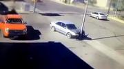 Nữ tài xế say rượu khốn đốn lái ô tô rời bãi đỗ